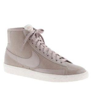 🌿Jcrew x Nike Blazer high top sneakers